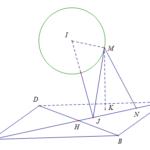 trong không gian với hệ tọa độ oxyz, cho hình chóp m.abcd có đỉnh m thay đổi luôn nằm trên mặt cầu (left( s right):{{left( x 2 right)}^{2}}+{{left( y 1 right)}^{2}}+{{left( z 6 right)}^{2}}=1), đáy abcd là hình vuông có tâm (hleft( 1;2;3 right), aleft( 3;2;1 right)). thể tích lớn nhất của khối chóp m.abcd bằng 60a345b6a1df1.png